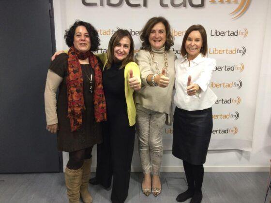 Presidenta de Fundación Woman's Week acompañada en de Cristina Vicedo